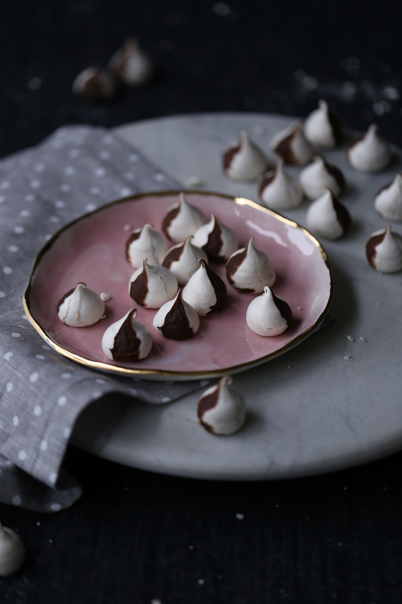 Chocolate Swirl Meringue Kisses