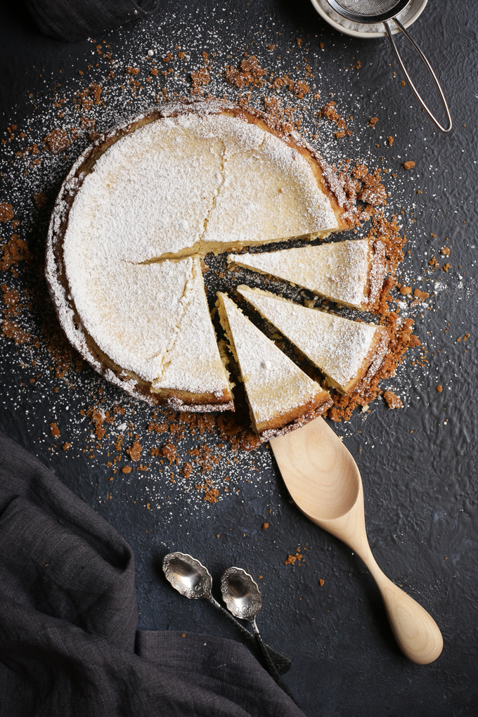 Lemon Myrtle Cheesecake + Roasted Macadamia Crust