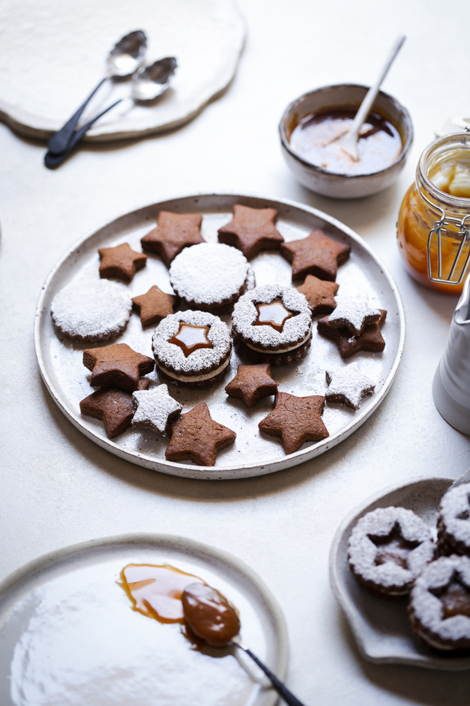 Gingerbread Cookies + Salted Caramel | The Polka Dotter