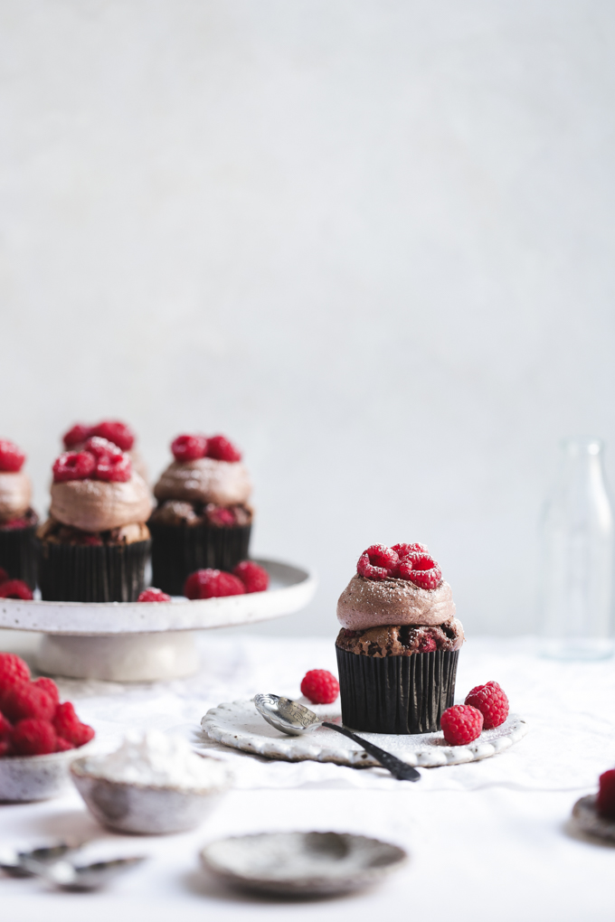 Raspberry & Dark Chocolate Cupcakes | The Polka Dotter
