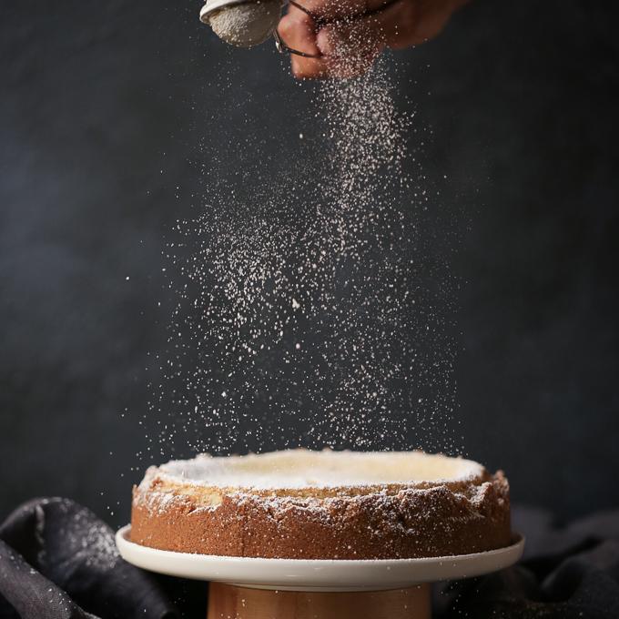 Lemon Myrtle Cheesecake + Roasted Macadamia Crust